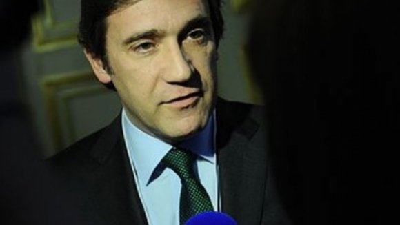 Chumbo do Tribunal Constitucional impede Passos Coelho de ir ao Brasil