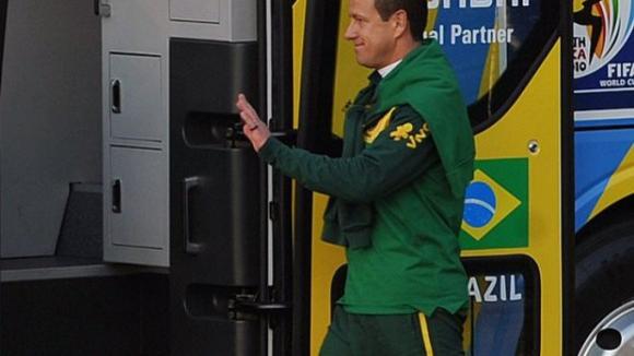 Confederação Brasileira de Futebol nomeia Dunga como selecionador do Brasil