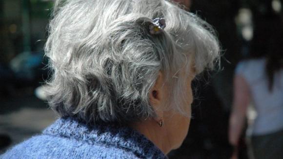 Estudo mostra que quase 80% dos idosos que vivem em lares sofrem de demência