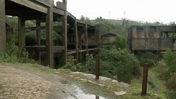 Ministério Públicoacusa seis arguidos da deposição de resíduos perigosos em São Pedro da Cova, Gondomar