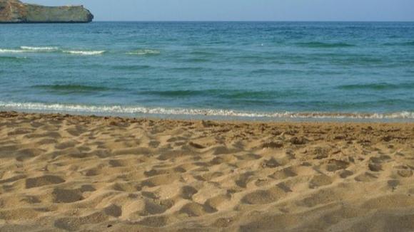 Um homem e uma mulher encontrados mortos em praia de Torres Vedras