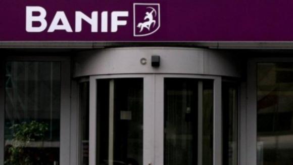 Terminou protesto surpresa dos lesados do Banif frente à nova sede do Santander