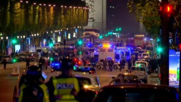 Estado Islâmico reivindica tiroteio que matou um polícia e feriu dois