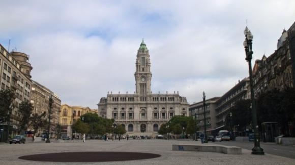 Selminho considera ser prejudicada pela Câmara do Porto há 16 anos