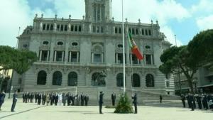Comemorações oficiais arrancaram no Porto com içar da bandeira nacional