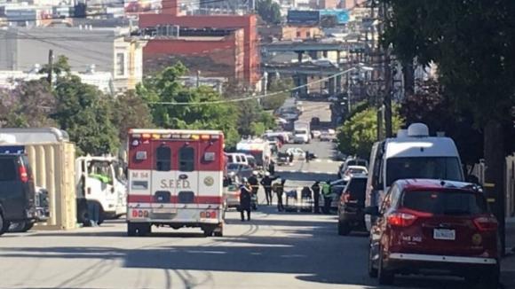Quatro mortos em tiroteio em armazém de encomendas em São Francisco EUA