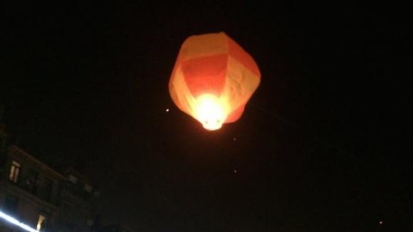 Balões de São João deixam aviões no chão durante três horas na noite de S. João