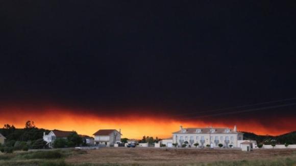 62 mortos confirmados no incêndio que destruiu Pedrógão Grande