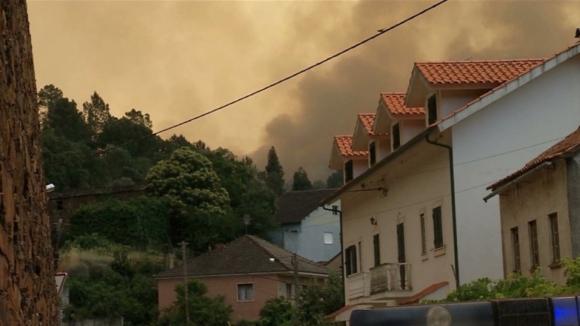 Resultado de imagem para Municípios exigem fundo de emergência para zonas afetadas pelo fogo