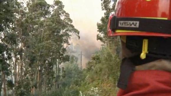 EN324 condicionada devido ao fogo em Vila Nova de Foz Coa