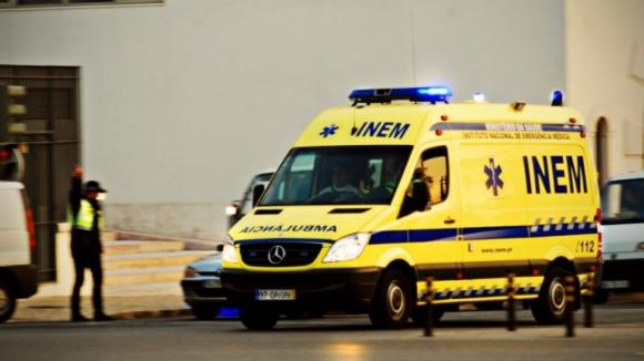 Fogo chega a casas em Folgosa, Santo Tirso, bombeiro hospitalizado