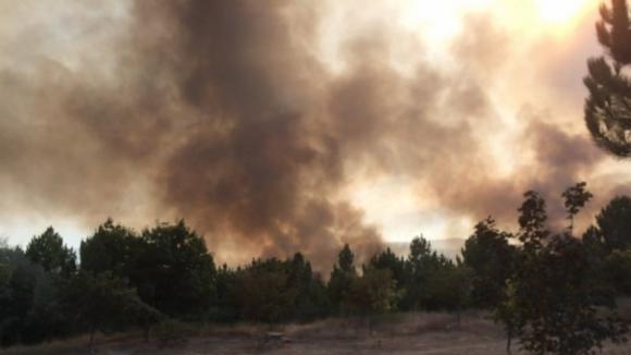 Incêndio em Paredes alastrou-se para o concelho de Penafiel
