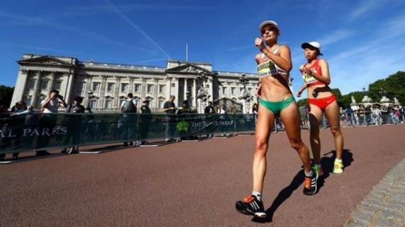 Inês Henriques sagra-se campeã dos 50km marcha dos Mundiais de atletismo