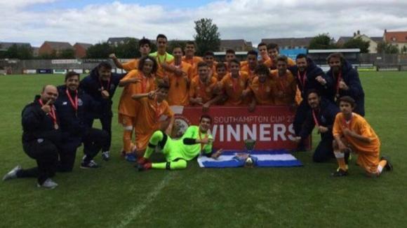 FC Porto Sub-15 conquista Southampton Cup ao vencer por 2-1 o Deportivo da Corunha