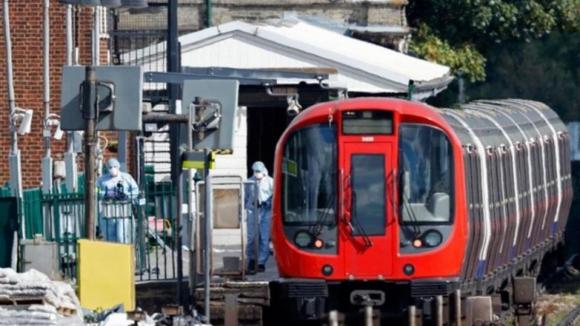 Polícia britânica detém segundo suspeito de ataques ao metro de Londres