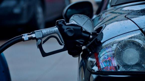 Portugal pede à UE investigação ao preço dos combustíveis