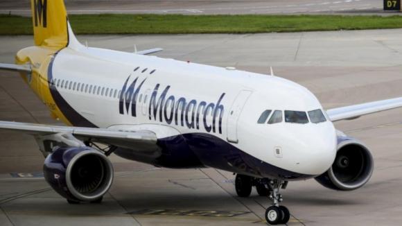 Companhia aérea britânica decreta falência e abandona 100 mil passageiros