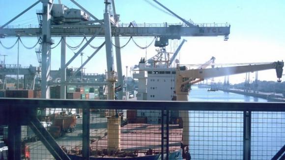 """Quase nove milhões de toneladas nos portos do continente em agosto, maior valor """"de sempre"""""""