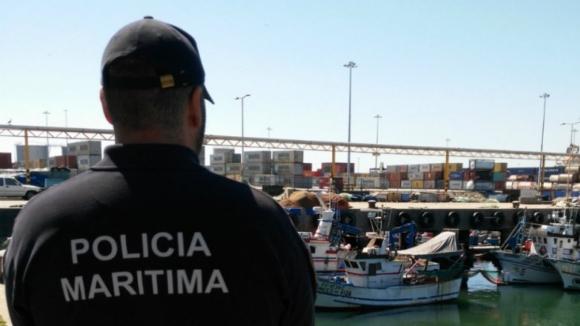 Polícia Marítima apreende 245 kg de peixe ilegal no Porto de Pesca de Leixões