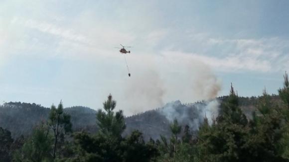 Treze dos 32 meios aéreos previstos para combate aos incêndios disponíveis desde esta terça-feira