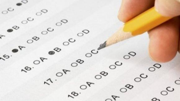 Ministério determina que todos os alunos vão a exame, com ou sem avaliação final