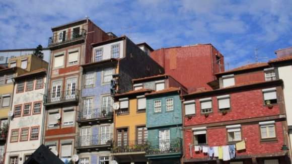 """CDU/Porto defende """"medidas de emergência"""" para realojar famílias despejadas"""