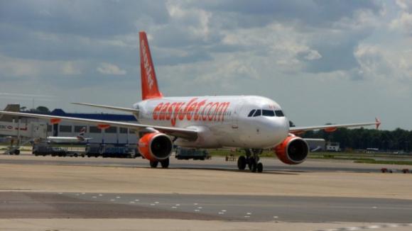 Companhia aérea Easyjet cancelou 1.263 voos em junho