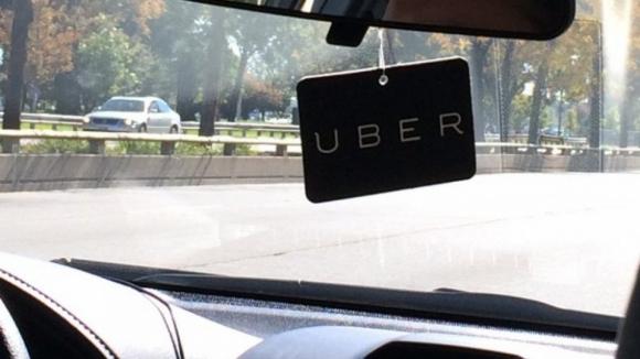 Aprovada lei que vai regular plataformas de transporte como Uber e Cabify