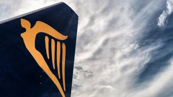 Ryanair prevê cancelar até 300 voos diários devido a greve na próxima semana
