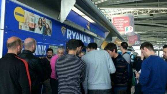 Cerca de 50% dos voos da Ryanair no continente cancelados