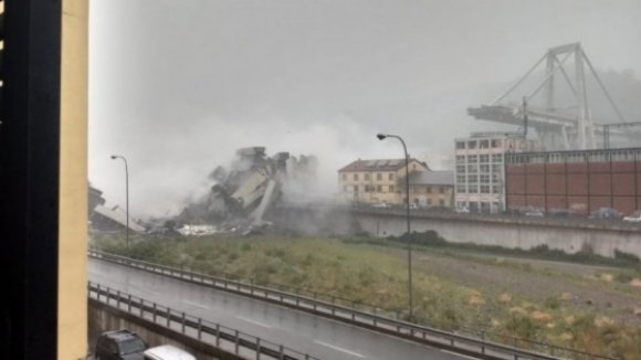 Dezenas de mortos em colapso de viaduto em Génova