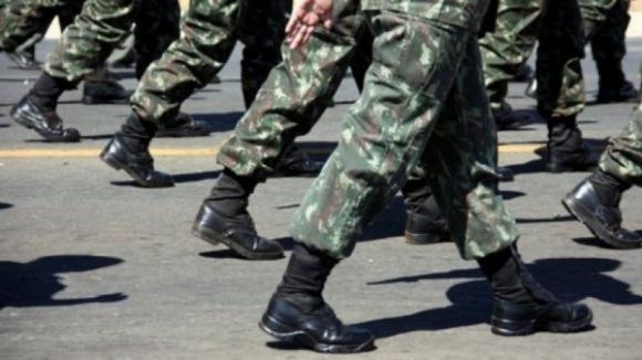 """Ministro da Defesa condena """"chacota"""" de Rui Rio sobre Forças Armadas e responde que """"não vale tudo"""""""