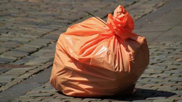 Recolha de resíduos e limpeza urbana no Porto assegurada por Empresa Municipal