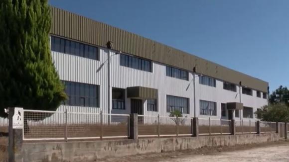 Trabalhadoras mantêm protesto há um mês à porta de uma fábrica em Chaves