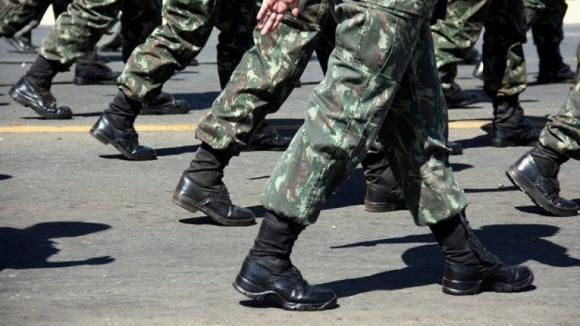 Ministro da Defesa inicia processo de substituição de Rovisco Duarte na chefia do Exército