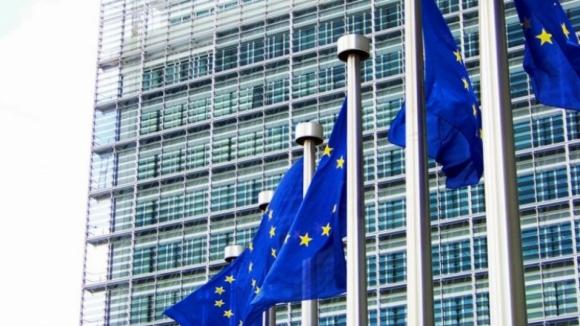 Bruxelas identifica risco de incumprimento no orçamento português