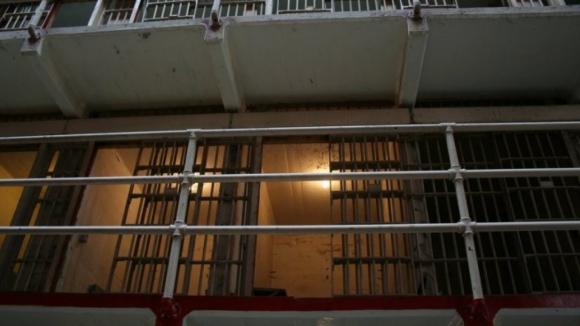 Reclusos causam distúrbios em prisão de Bragança