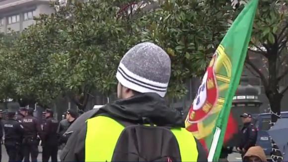 Coletes amarelos: Manifestantes em Lisboa e Porto desmobilizam sem registo de incidentes