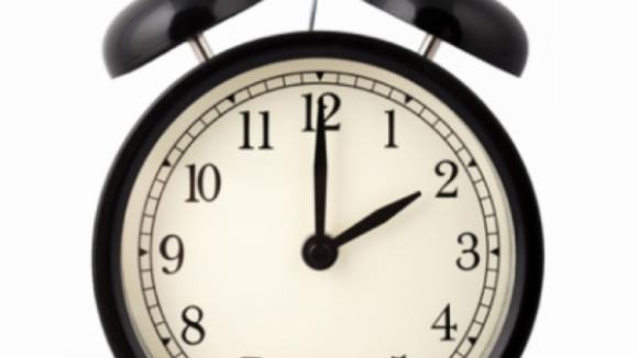 """Estudo revela que mudança da hora pode ser """"bastante nociva"""" para a saúde"""