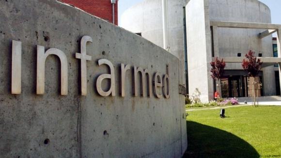 Resultado de imagem para Infarmed recebe abaixo-assinado de farmácias a pedir intervenção na falta de medicamentos