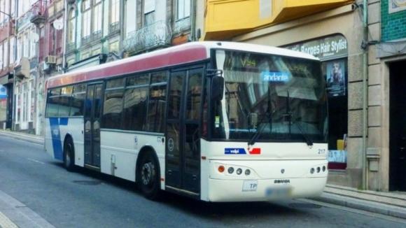 Operadores privados mantêm trajetos para a Baixa do Porto até AMP comunicar mudanças
