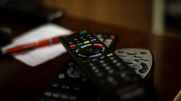 Tribunal do Porto multa um acusado por piratear tv por cabo e absolve 12