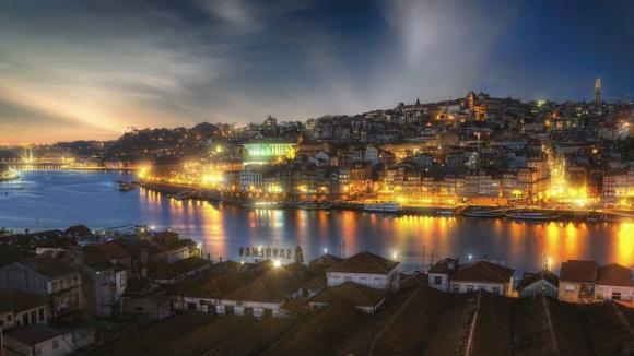 """Autarca do Centro Histórico do Porto denuncia """"caos"""" causado por alojamento local ilegal"""