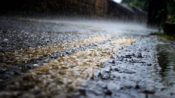 Porto entre os oito distritos do continente sob aviso amarelo no sábado devido à chuva