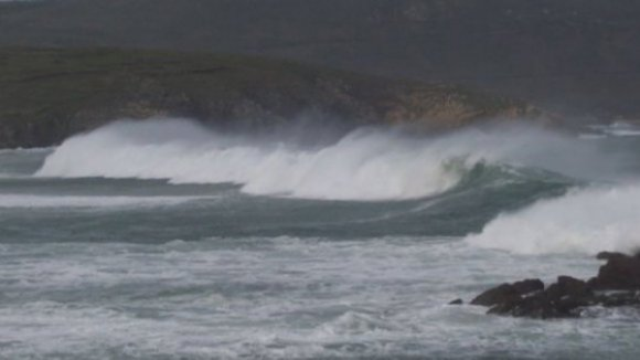 Sete distritos do continente sob aviso amarelo devido à agitação marítima