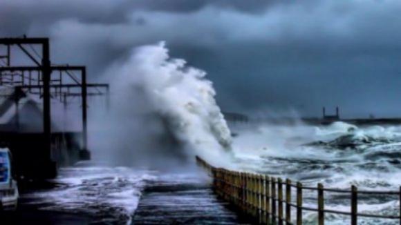Toda a costa portuguesa sob aviso amarelo devido à agitação marítima