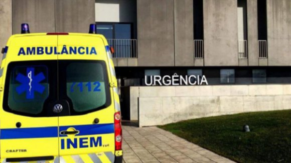 Nove feridos em despiste de carrinha com trabalhadores em Marco de Canaveses