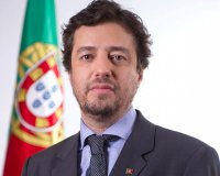 Poiares Maduro acusa António Costa de incompetência ou má-fé sobre fundos europeus