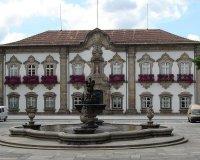 Buscas da PJ à Câmara de Braga fazem um detido suspeito de corrupção e extorsão